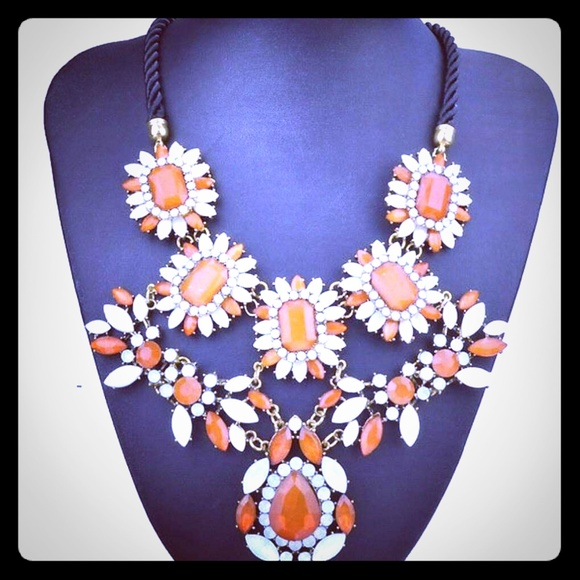 ChicJewelz Jewelry - The CLEMENTINE Necklace
